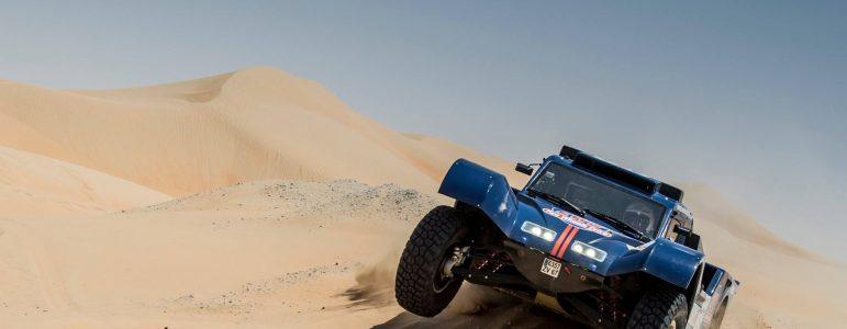 Amos passe son baptême du sable avec le Buggy 2WD !